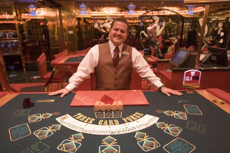 How to Get a Job As a Casino Card Dealer